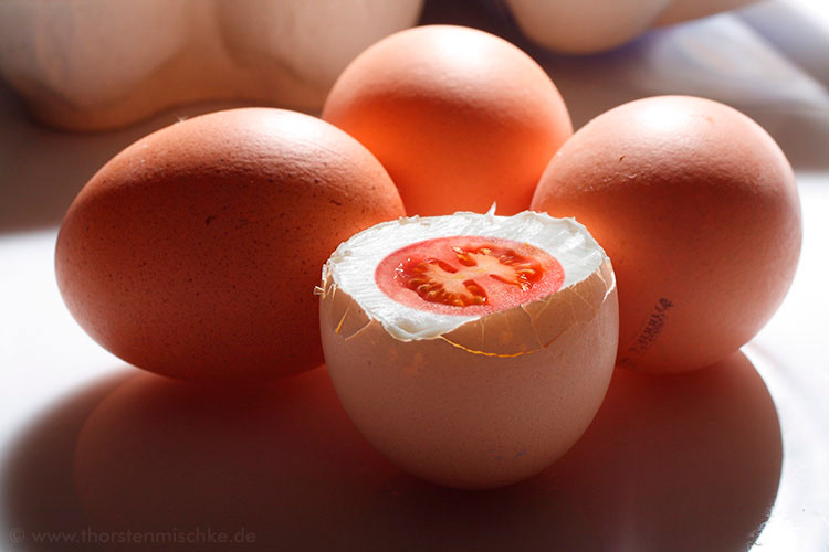 Foto:  Tomate Ei © www.ThorstenMischke.de Fotodesign Kiel